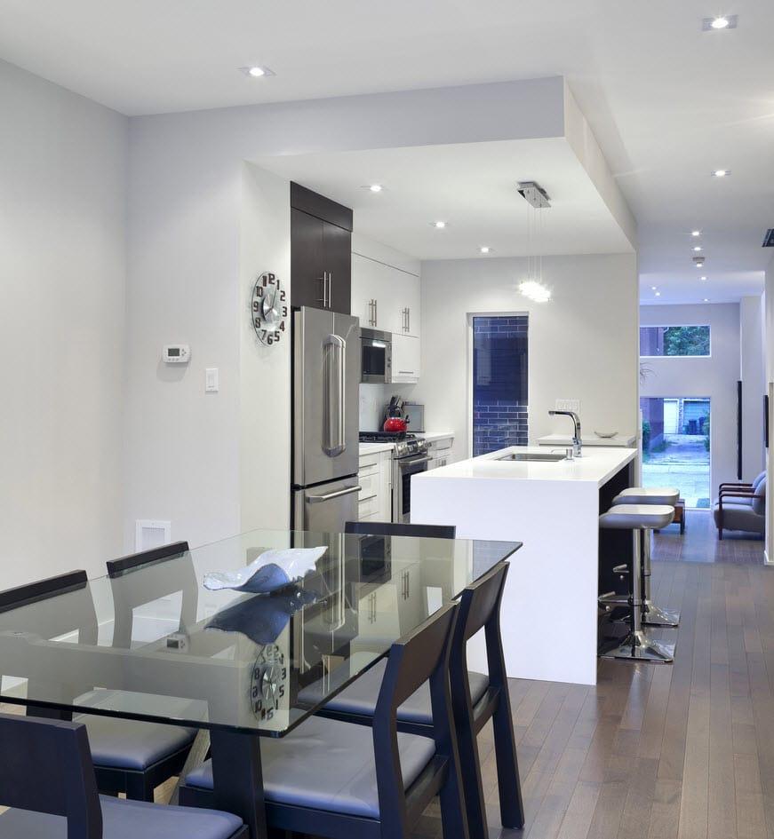 Planos de casa de dos pisos con fachadas e interiores for Disenos de cocinas comedor modernas