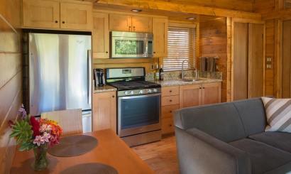 Diseño de cocina de casa construida en madera