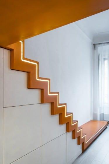 Diseño de escaleras modernas iluminadas