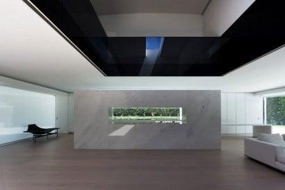 Moderno diseño de interiores de casa ovalada