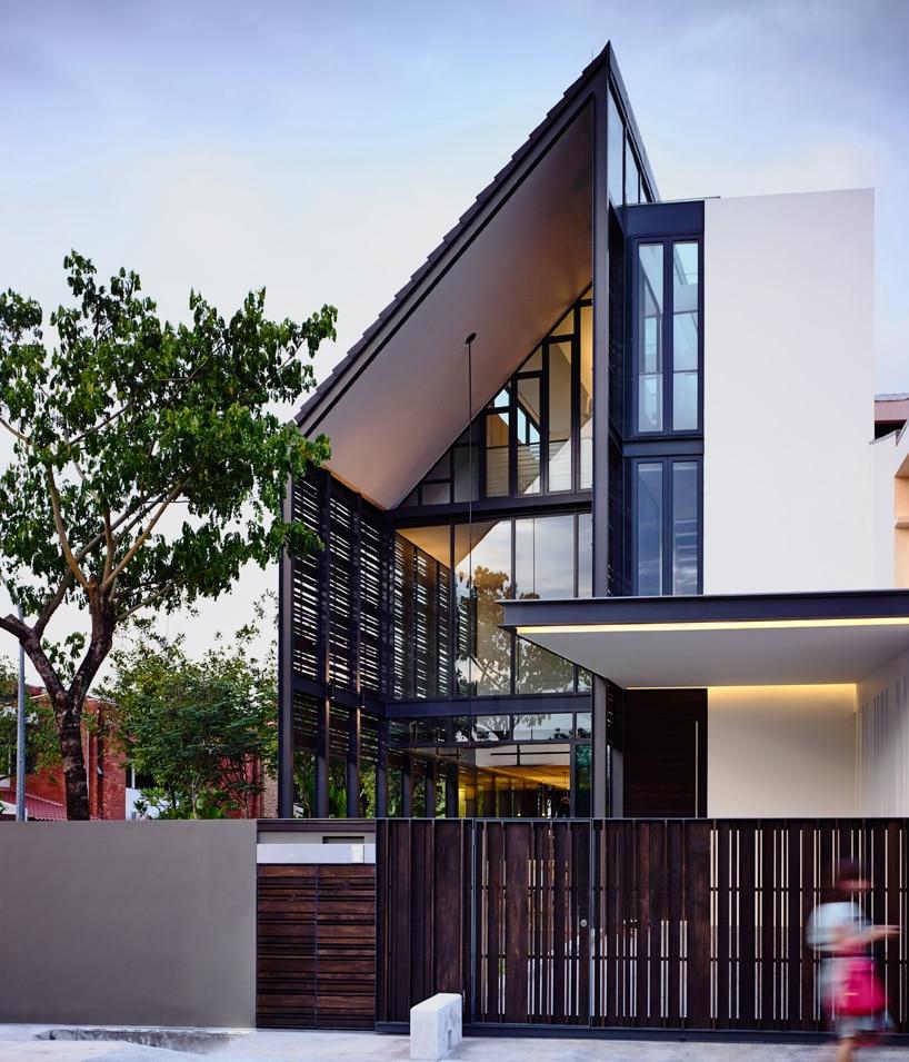 Planos de casa de dos pisos en esquina construye hogar for Fachadas modernas para casas de dos pisos