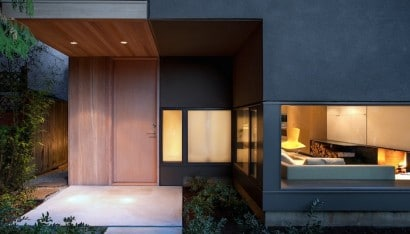 Ingreso principal de la casa moderna