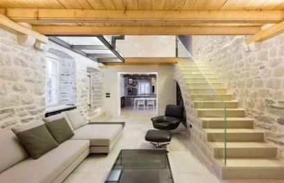 Diseño de sala estar de casa rústica moderna