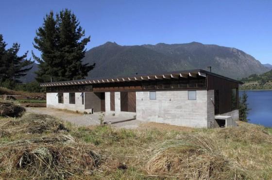Diseño casa de campo de un piso de madera y concreto