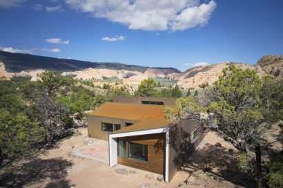 Vista horizontal de casa de campo moderna