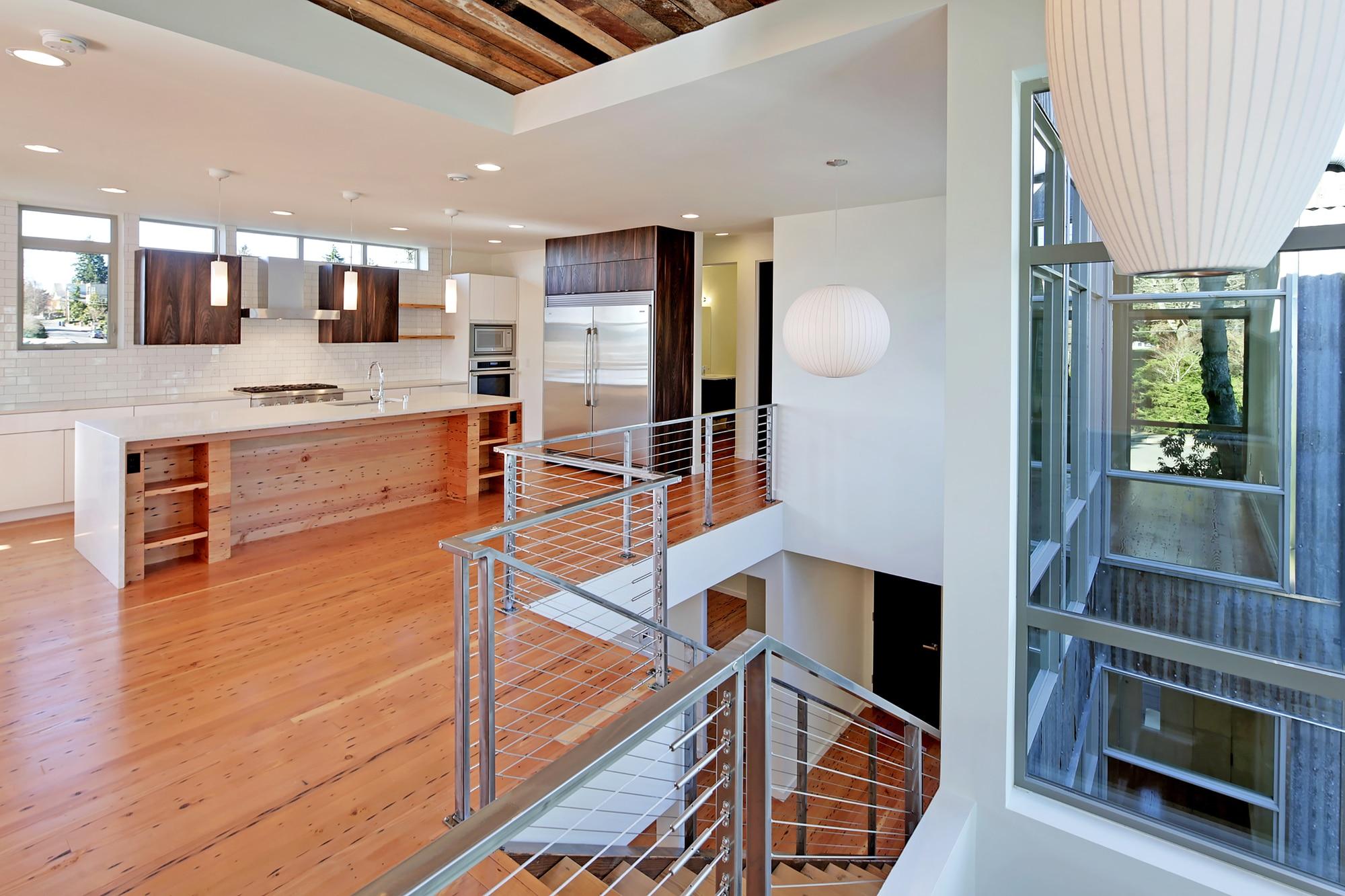 Diseño de casa ecológica autosuficiente, combinación de madera