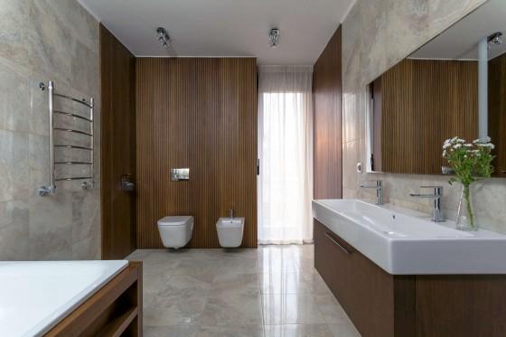 Diseño de cuarto de baño de casa de madera