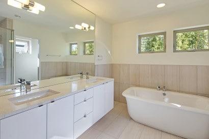 Diseño de cuarto de baño moderno ecológico
