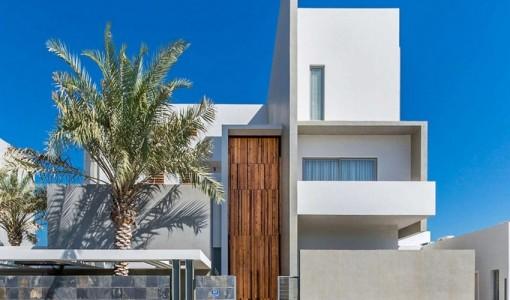 planos de casa de tres pisos moderna fachada con volmenes en una construccin de lujo