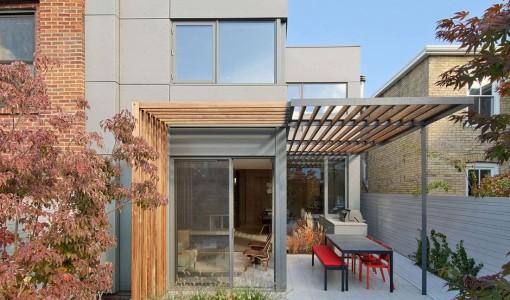 Moderna fachada de casa de dos pisos