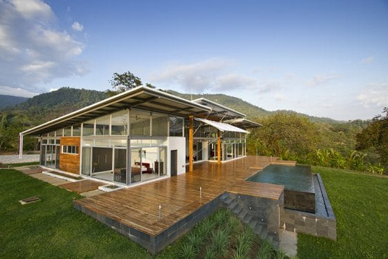 Diseño de casa moderna de un piso con grandes ventanas