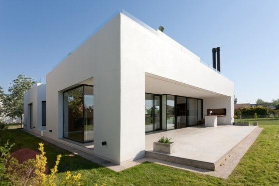 Diseño de casa moderna con formas rectangulares