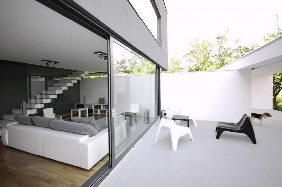 Diseño de sala con terraza de estilo moderno
