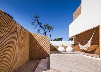 Detalles constructivos de casa moderna de dos pisos