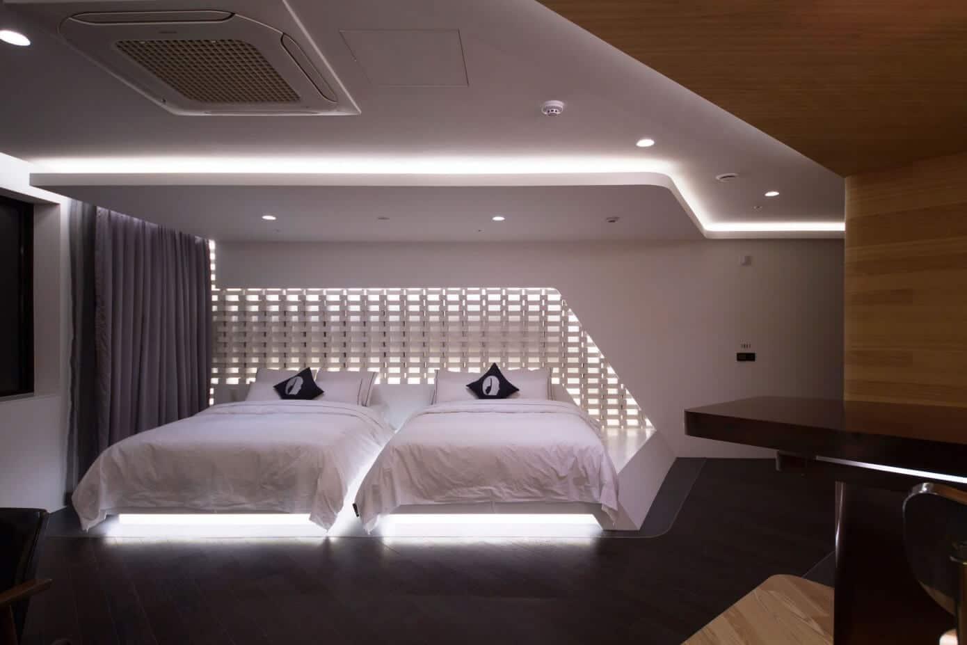 Dise o de departamento peque o moderno construye hogar for Diseno de interiores lleida
