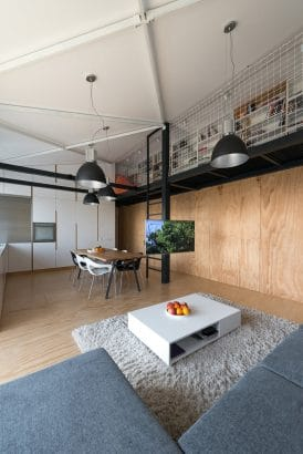 Diseño de sala de loft de estilo juvenil casual