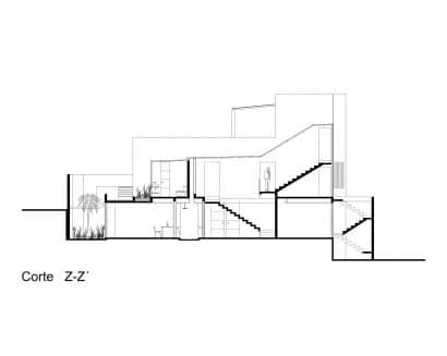 Plano de corte de casa ubicada en esquina