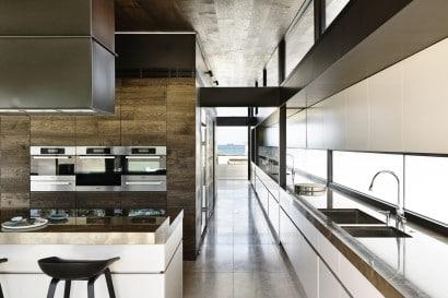 Vista de cocina y pasadizo