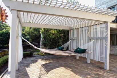 Amacas en terraza Beall's Nursery & Landscaping