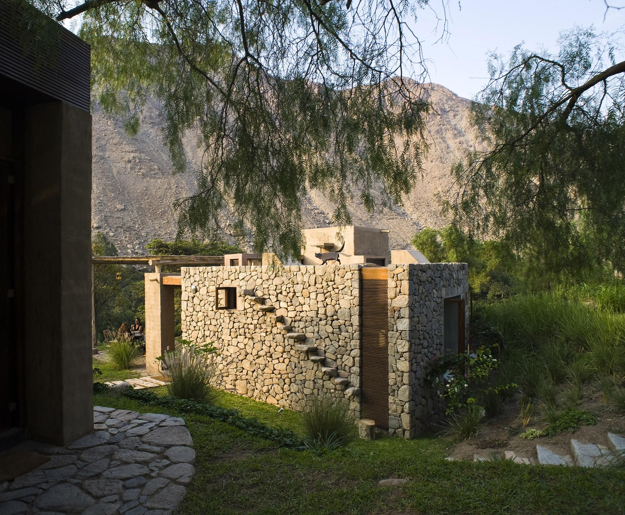 Dise o casa de campo tradicional construye hogar - Casa de piedra porcuna ...