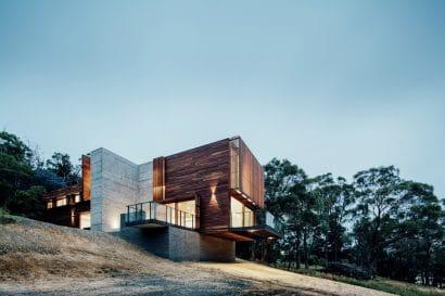 Diseño de casa moderna ubicada en montaña
