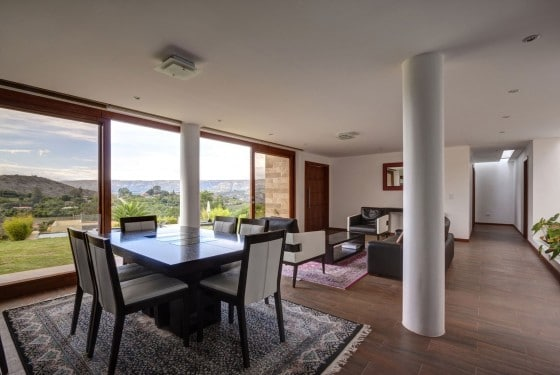 Diseño de sala sencilla moderna