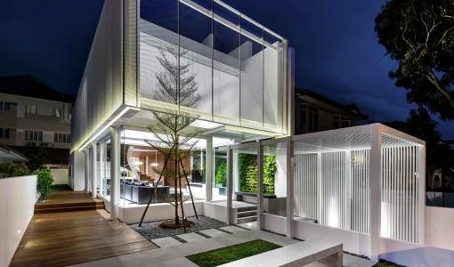 Diseño de casa moderna de dos pisos con atico