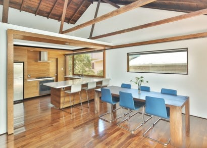 Diseño de cocina comedor madera 002