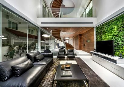 Diseño de interiores de sala techo a doble altura