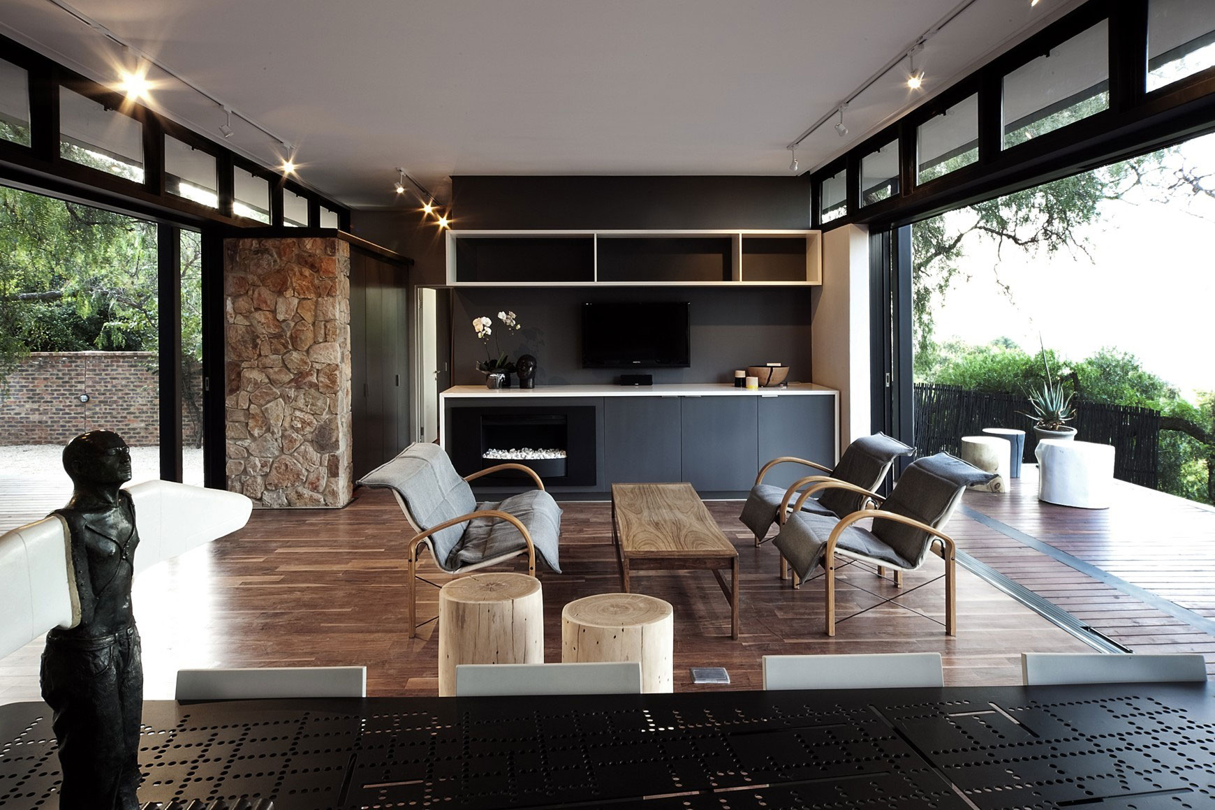 Moderna casa de campo con estructura acero construye hogar for Estructura de cocinas modernas
