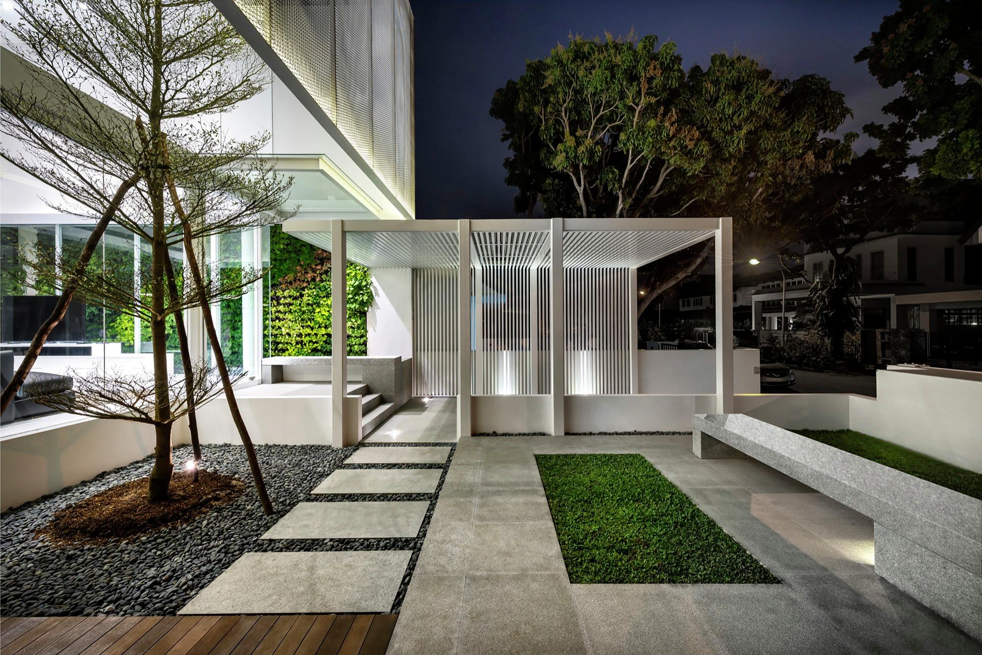 Casa moderna cuatro dormitorios construye hogar for Fotos de jardines de casas modernas