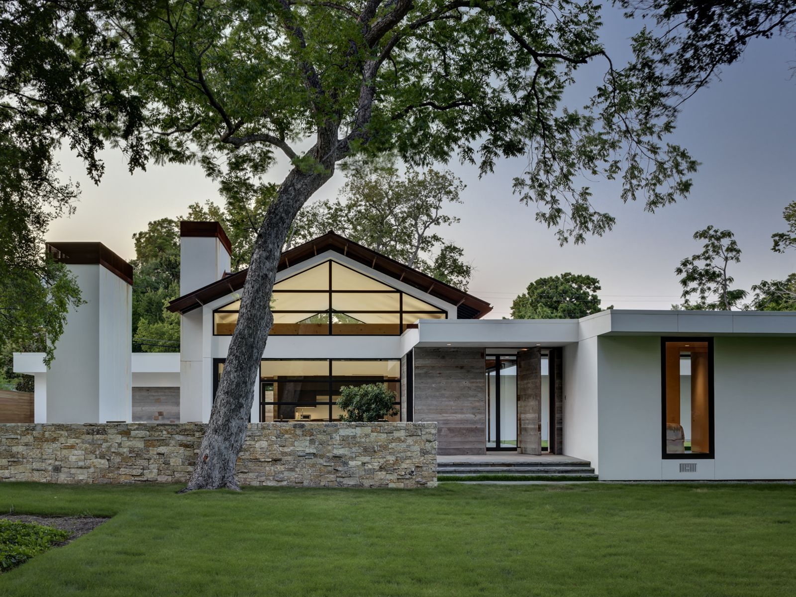 Fachada de casa moderna grande construye hogar - Construye hogar ...