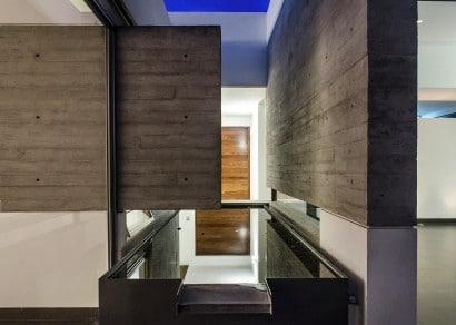 Muro de hormigón expuesto en diseño de interiores