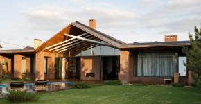 Diseño de casa de un piso con ladrillo caravista