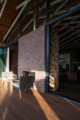 Diseño de chimenea con ladrillos caravista