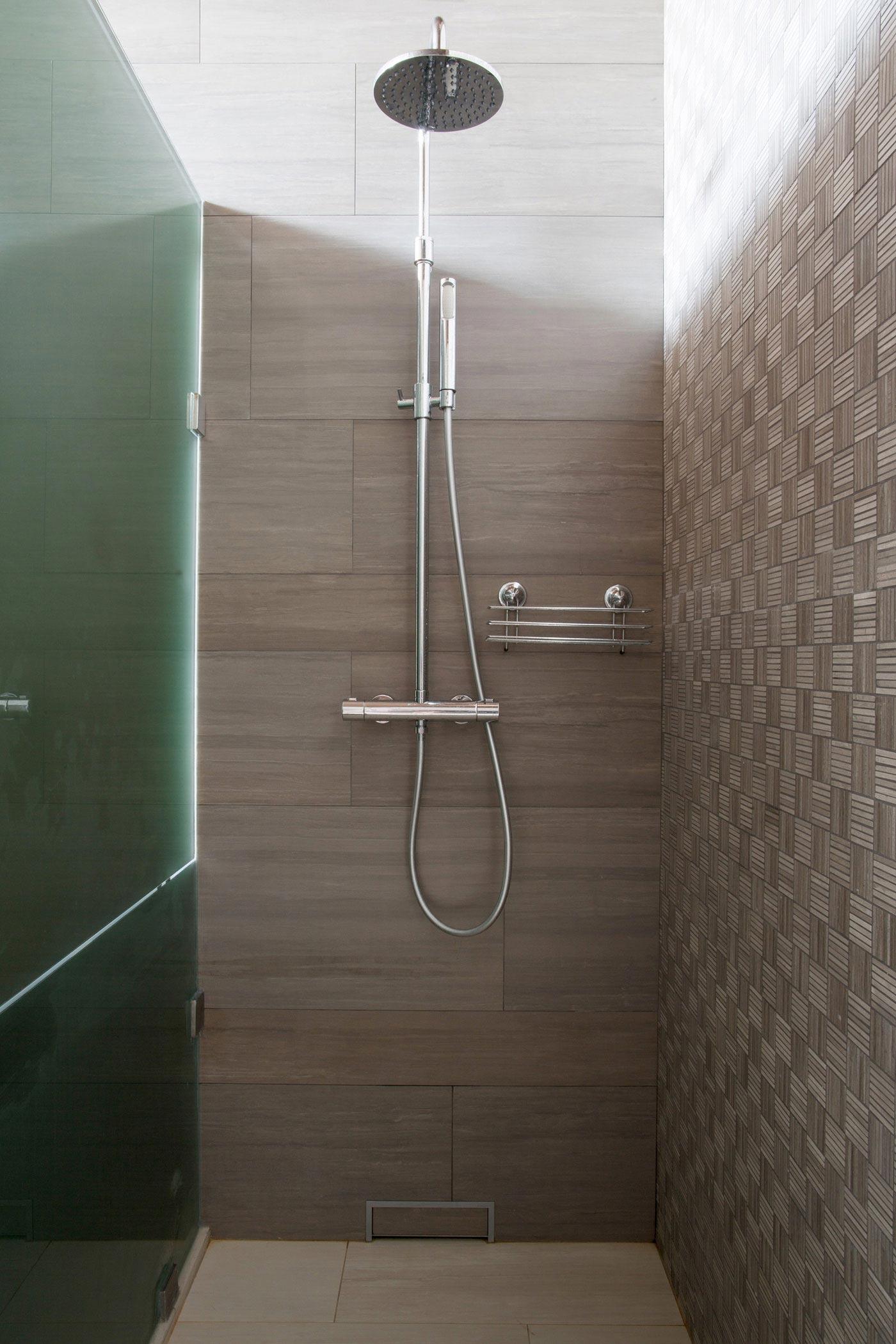 Dise o de ducha construye hogar for Construye hogar