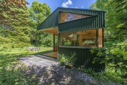 Fachada pequeña casa de campo