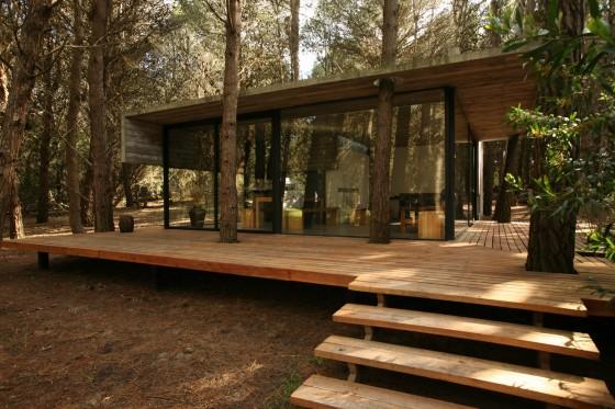 Casa de campo pequeña construida con hormigón