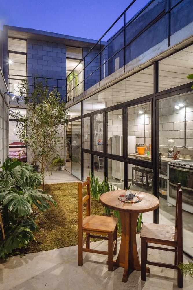 Dise o de casas angostas y largas construye hogar for Planos de casas con patio interior