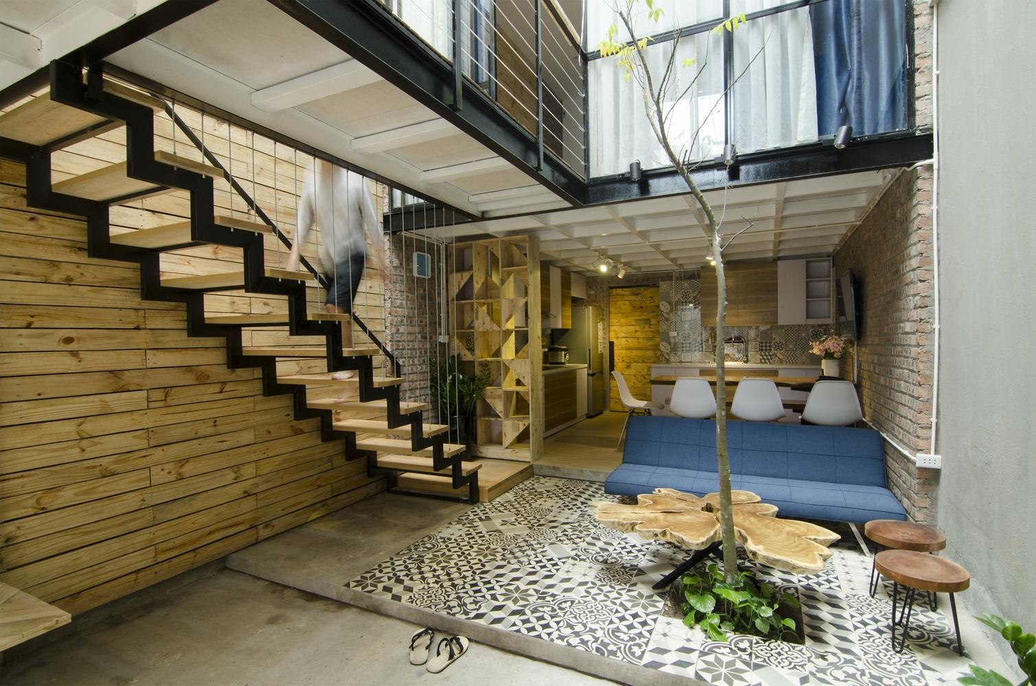 Idea casa peque a y econ mica 46 m construye hogar - Diseno patio interior ...