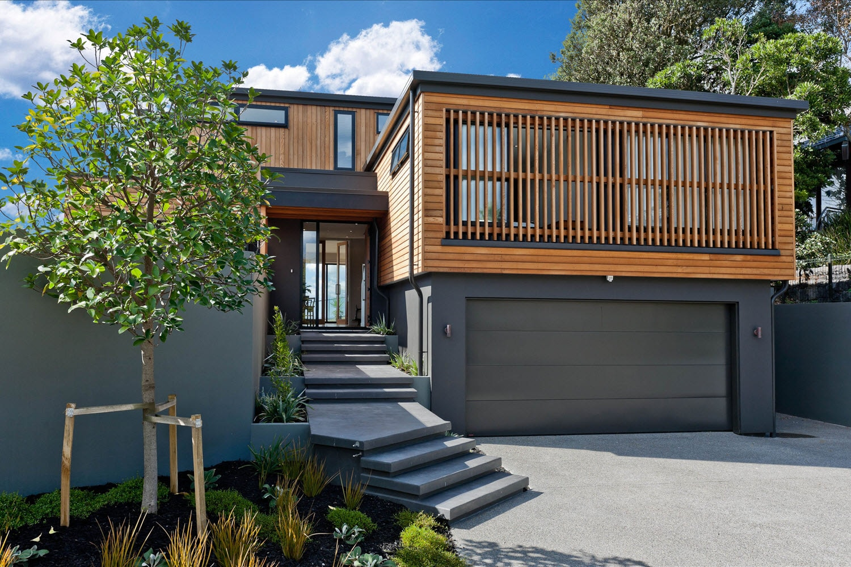 Dise o casa moderna dos piso madera metal construye hogar for Casas de madera modernas