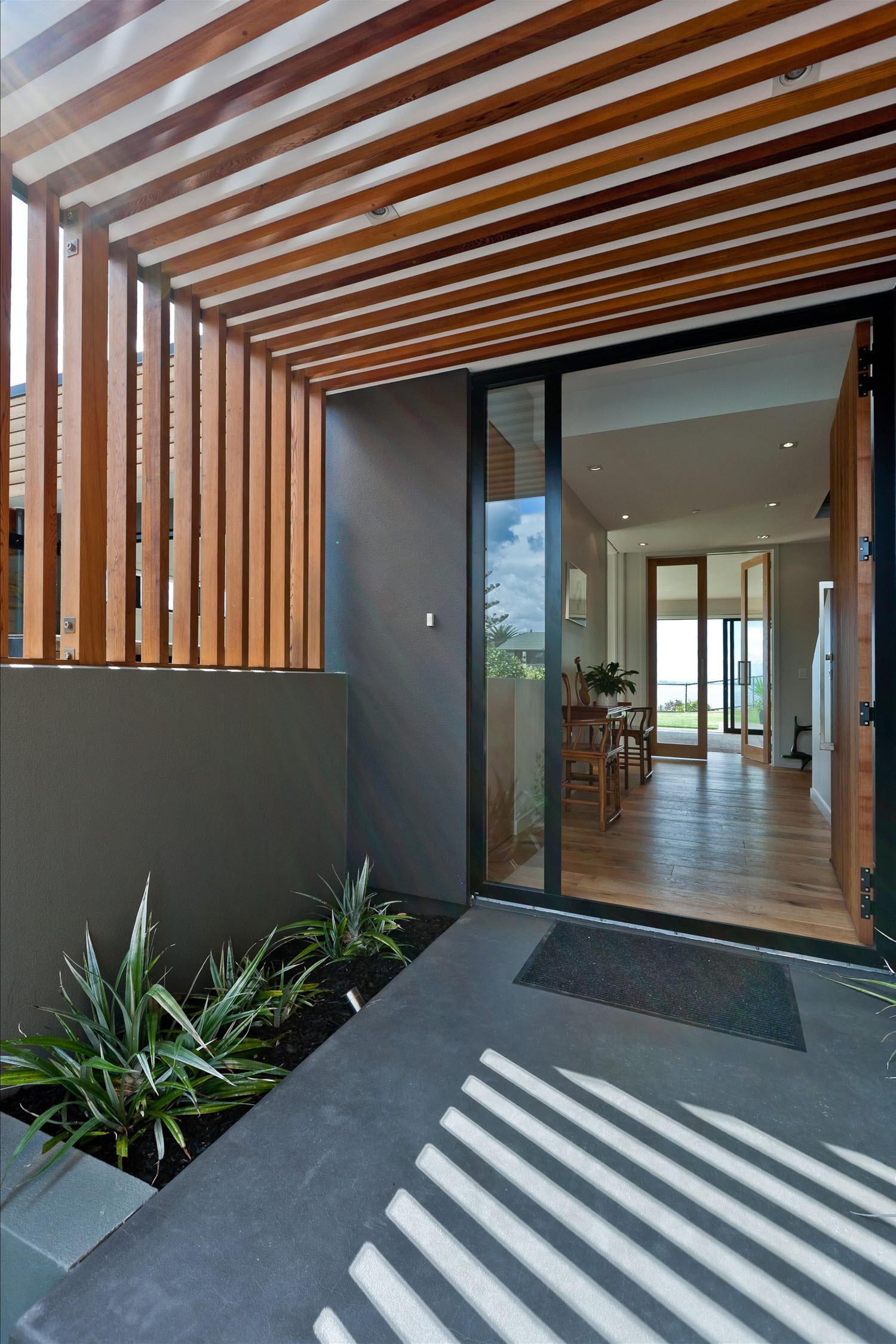 Dise o casa moderna dos piso madera metal construye hogar for Casas modernas recorrido virtual
