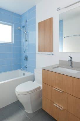 14.  Cuarto de baño pequeño Oakland Home