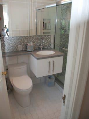 6. Cuarto de baño pequeño Granville Creek Custom Builder, LLC