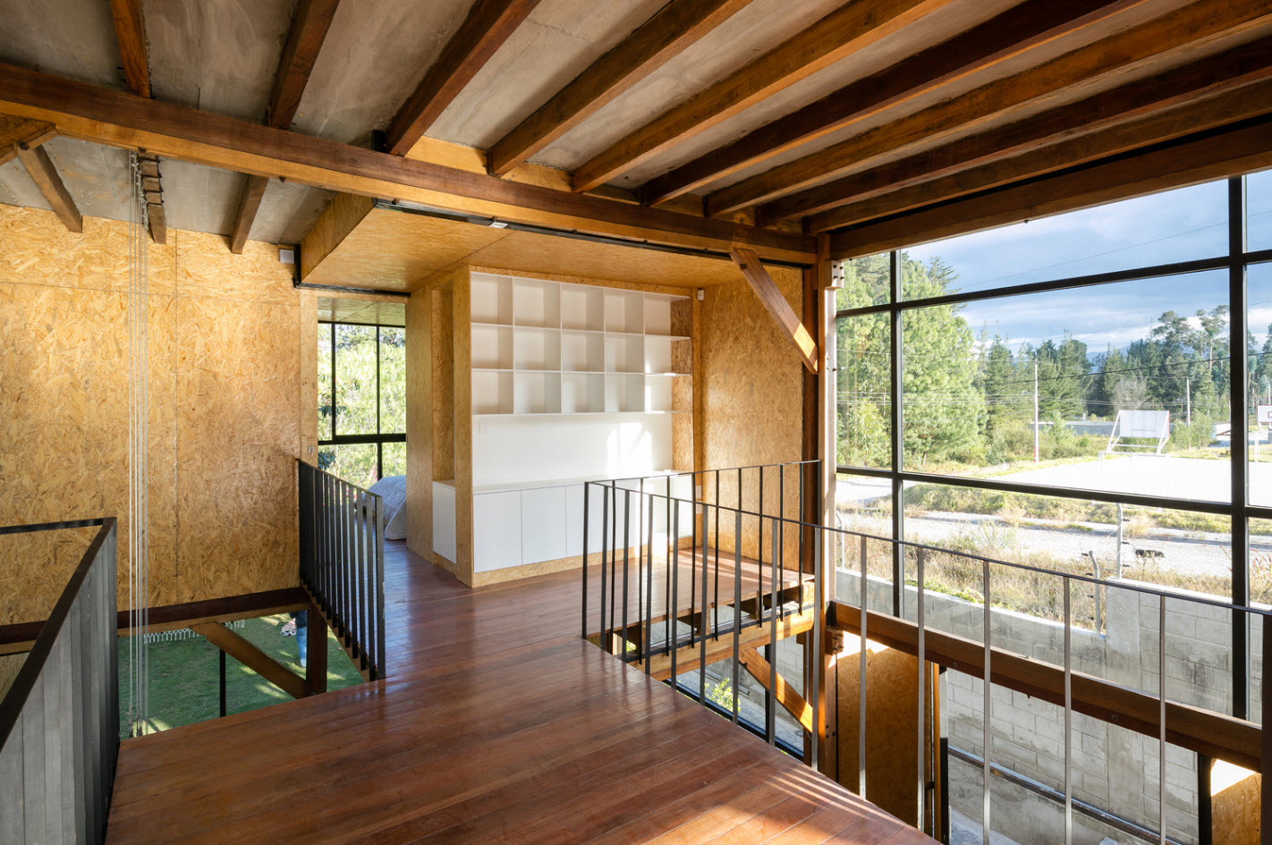 Dise o casa econ mica de dos pisos construye hogar for Como hacer una escalera de madera para segundo piso