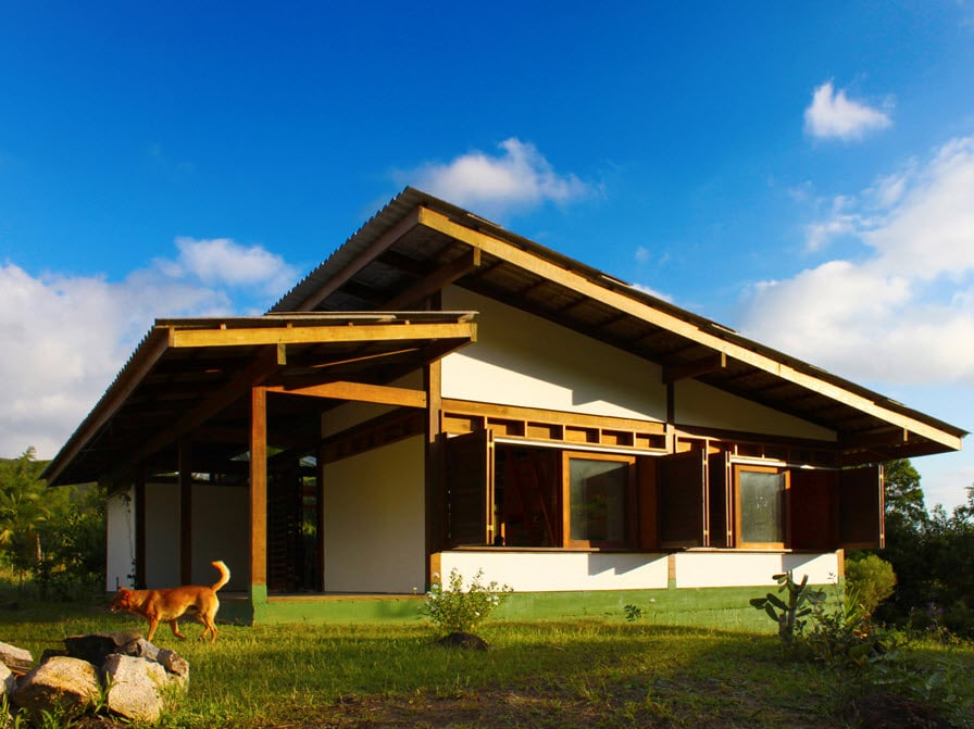 Dise o de casa de campo peque a de madera construye hogar for Casas de madera pequenas
