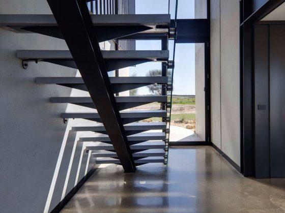 Diseño de escaleras modernas por peldaños