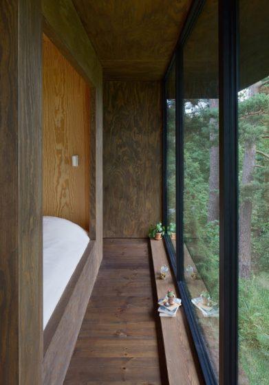Pasadizo interior de casa de campo