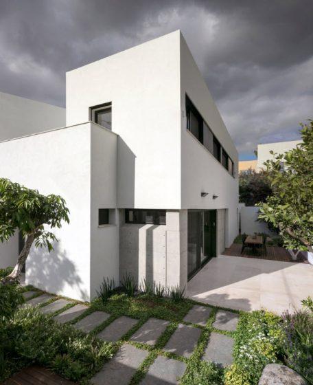 Fachada sencilla casa dos pisos