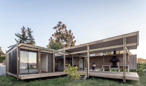 diseo casa de campo construida con madera moderna construccin con las mejores visuales al exterior